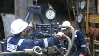 Power Tong Guys Running Casing Tool on the Oil & Gas Drilling Rig - Part 01