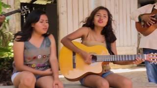 Las Hermanas García - Tu voz (Video Clip)