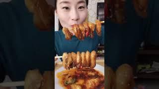 #吃秀#拍一分钟是为了留着肚子拍下一个视频(这个还能看出来我吃的啥吗)