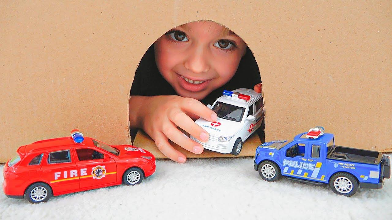 व्लाद और निकी खिलौना कारों के साथ खेलते हैं - बच्चों के लिए संग्रह कार वीडियो