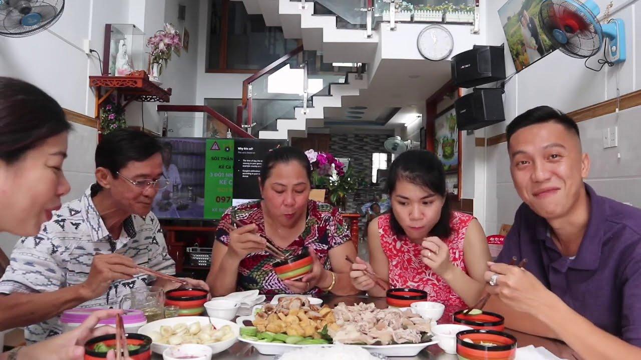 Buổi Trưa Với Mẹt Bún Đậu Mắm Tôm Ngon Lành Cành Đào