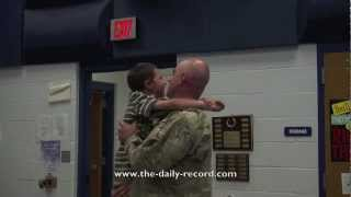 Soldier flies from Afghanistan to surprise his daughter