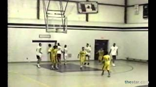 Stephen Curry takes on his father Dell in basketball match