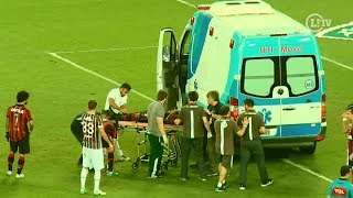 Zagueiro do Atlético-PR leva chute no rosto e deixa o Maracanã de ambulância