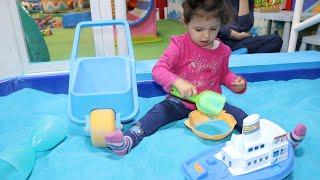 لعبوا بالرمل | sewar Videos for Kids | Playing with Sand Toys and More!