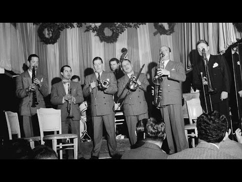 Bud Freeman and his Famous Chicagoans -  At The Jazz Band Ball (1940)