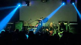 Full show taped with SONY HDR-PJ760V and ECM-HST1 microphone. Tripo...