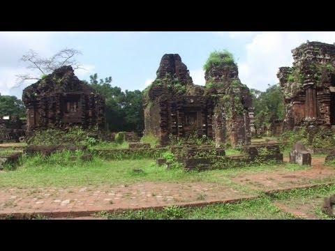 My Son Sanctuary in Vietnam (ベトナムのミーソン遺跡)