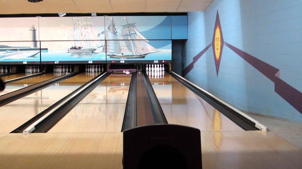 Bowling On A Broken Down Pba Viper Oil Pattern Youtube