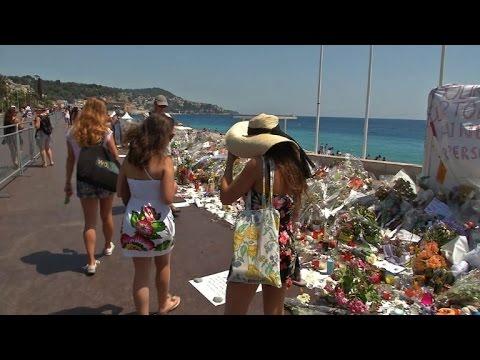 Nice: la Promenade des Anglais une semaine après l'attentat