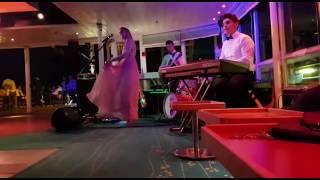Abby chanteuse sax et ses musiciens LOUNGE pour cocktail MARIAGE VAR PACA