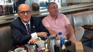 'Ucraniagate': detienen a dos socios de Rudy Giuliani, abogado personal de Trump