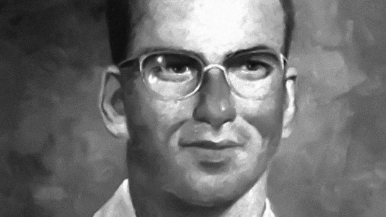 The Dentist who Dropped His Drill and Extracted 98 Enemy Lives (with a Machine Gun)