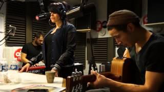 Alex Hepburn - Neneh Cherry Cover - Session Acoustique OÜI FM
