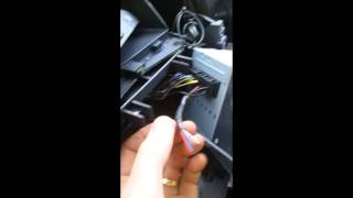 How To Wire AUX MP3 Lead - Discovery 3 / Range Rover Sport