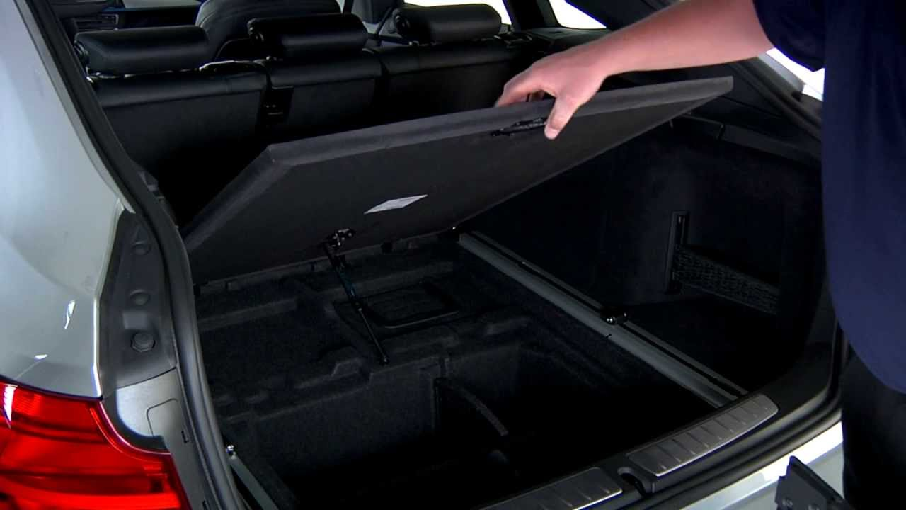 Gran Turismo Cargo Cover Storage | BMW Genius How-To - YouTube