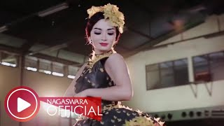 Zaskia Gotik Cukup 1 Menit Remix Version Official Music Video Nagaswara