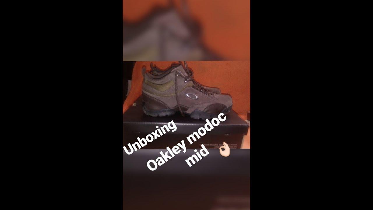 UNBOXING - OAKLEY MODOC MID - YouTube 642f3b4da1a