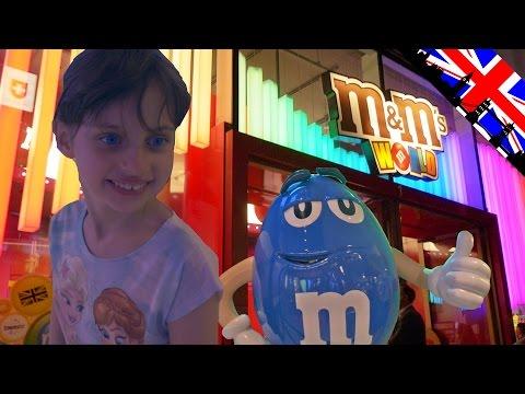 [VLOG] Le Plus Grand M&M's World du Monde - Studio Bubble Tea Biggest Candy Shop