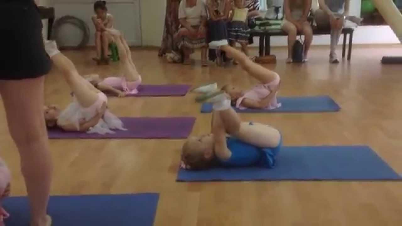 Подруги рита и маша делают гимнастику, волосатые дамы секс видео