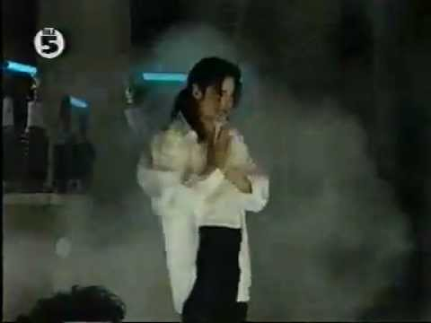 Michael Jackson Pepsi Commercial - The Making Of Who Is It - (Dreams) - (1992)