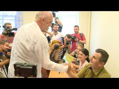 Rama voton: Sot, një ditë e bukur - Top Channel Albania - News - Lajme