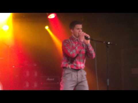 14 year old kid sings Folsom Prison Blues