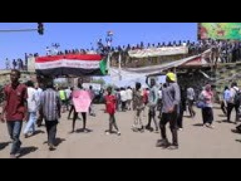 Protesters in Sudan vow to keep demonstrating