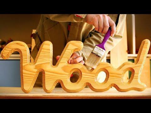 """Нанесение лака на деревянное слово """"wood"""", Varnish On Wooden Word"""