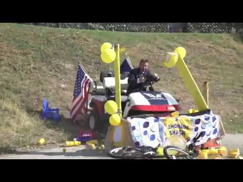 image for Texas Lawyer runs over kids lemonade stand.