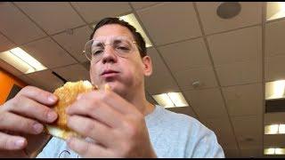 Dunkin' Donuts Big N' Toasted   American Fast Food mit Money Boy