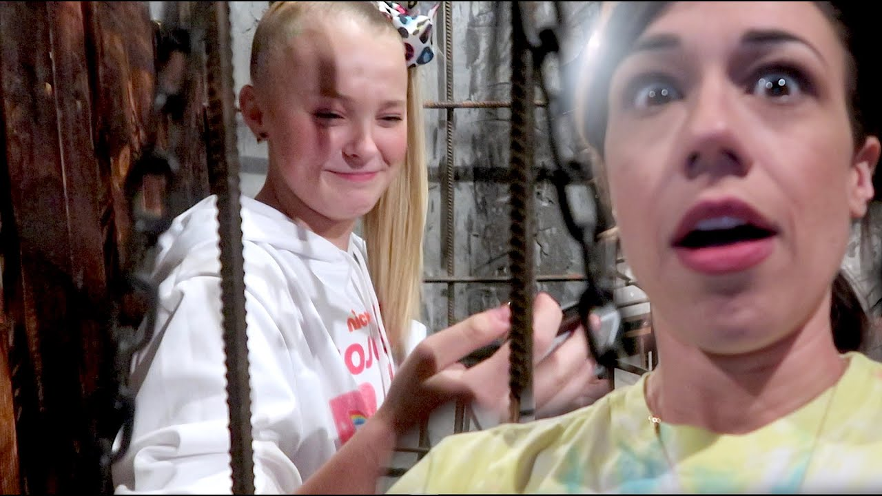 Download LOCKED IN A ROOM WITH JOJO SIWA!