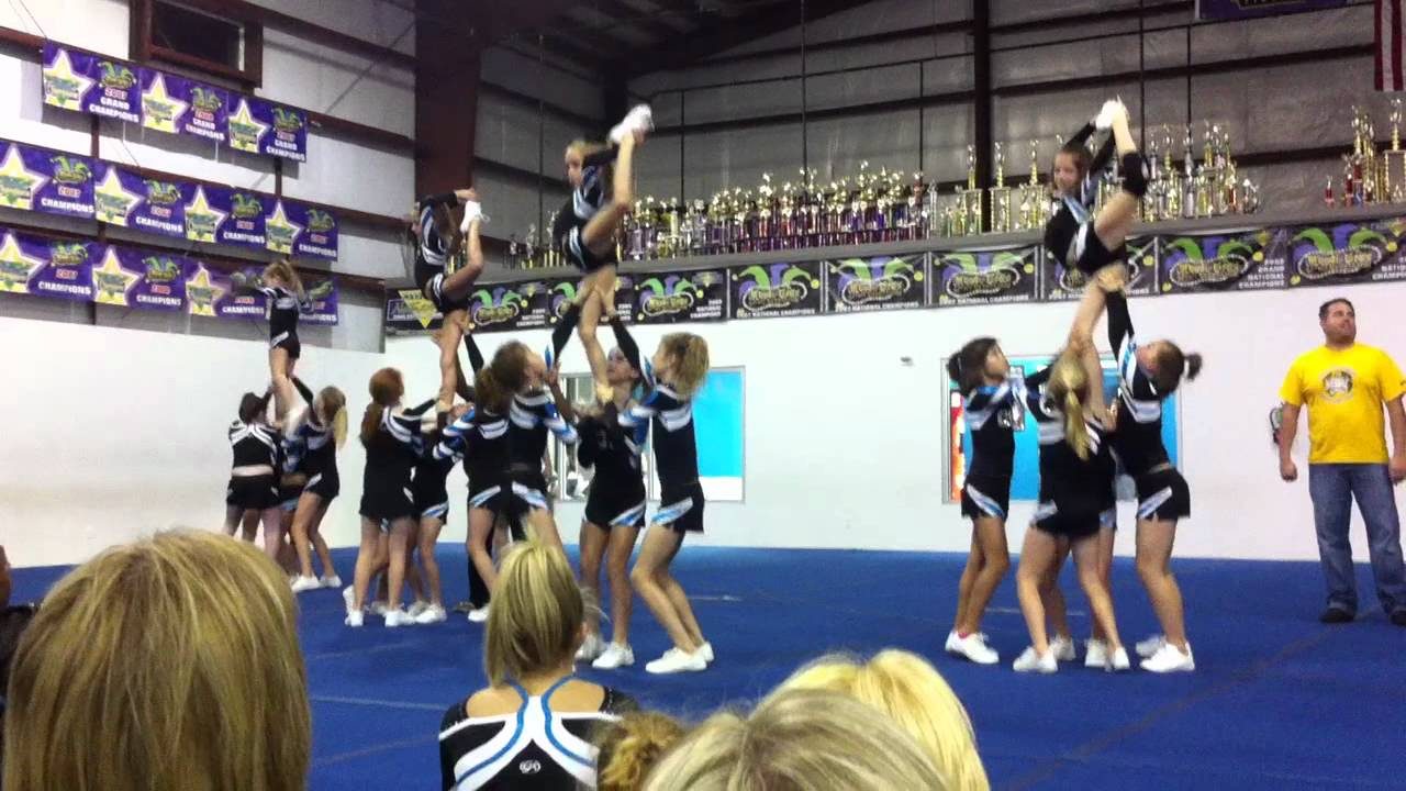 La Cheer Force Ruby Red 2010 Youtube