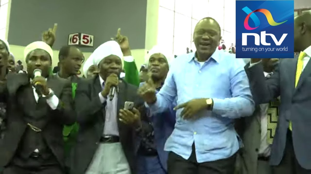 Uhuru Kenyatta's security have hard time as he joins Akorino for a dance at  Kasarani