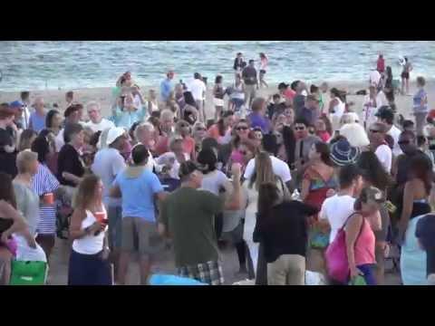HAMPTONS 4K Weekly Drumming party at Sag Main beach N Y 8-24-15