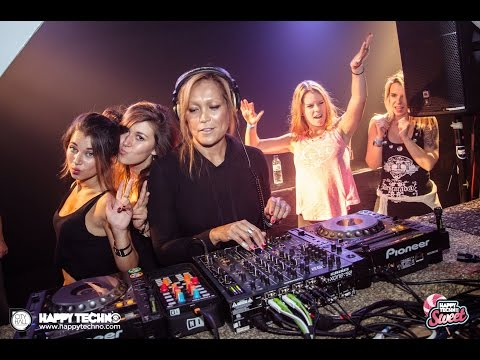 Gayle San @ Happy Techno - City Hall (Barcelona / Spain) - 24.10.2015