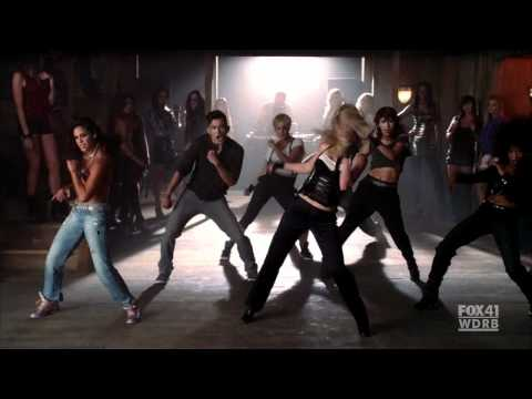 Brittany & Santana - Me Againts The Music (Britney Spears Cameo On Glee)