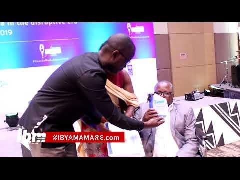 Amabirisi Sibomana yagizwe umunyamakuru w'ibihe byose|twamubonye turarira|Asigaye agendera mu kagare