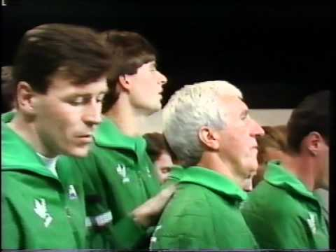 "RIP - Jack Charlton Sings ""boys in Green"" Late Late Show Euro '88"