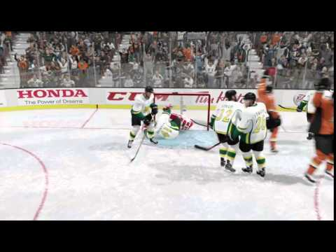 Fluky NHL 16 goal, Legend Scott Niedermayer