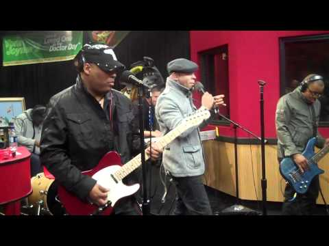 Mint Condition perform Caught My Eye & U Send Me Swingin  from the Red Velvet Cake studio