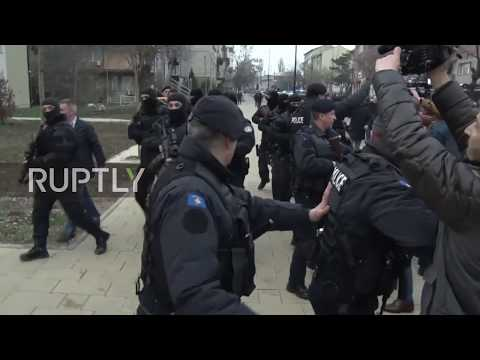 Serbia: Arrested Serbian official booed in Pristina