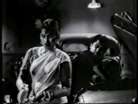 Ek Ladki Bheegi BhagiSi (ChaltiKaNaamGadi 1958)