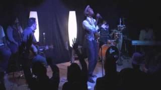 Смотреть клип Mali Music - Glory To The Lamb