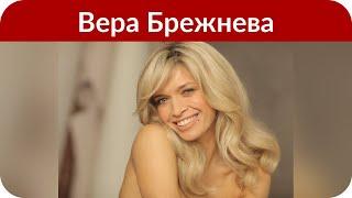"""Вера Брежнева оголилась на Мальдивах на пару со своей """"близняшкой"""""""