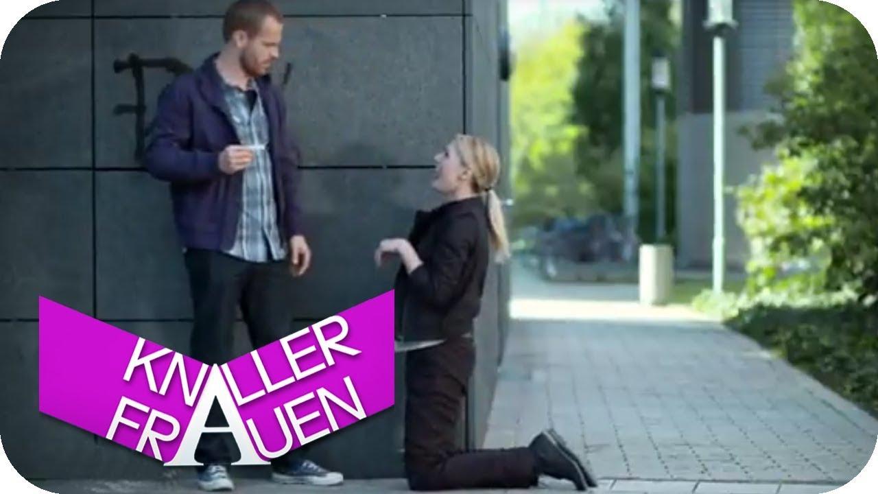 Flirt Fail: Wenn Machos Frauen hinterherpfeifen | Knallerfrauen mit Martina Hill