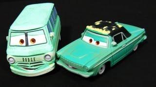 Cars RUSTY AND DUSTY RUST-EZE Movie-Moments 2-Pack Disney Pixar Mattel McQueen Sponsors