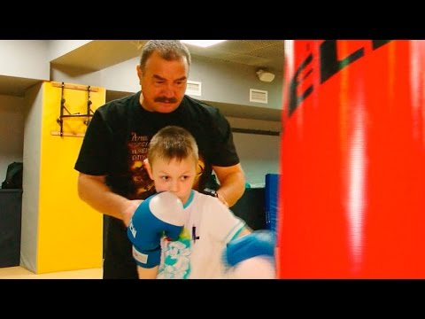 На фото Тренировка боксёров изображение