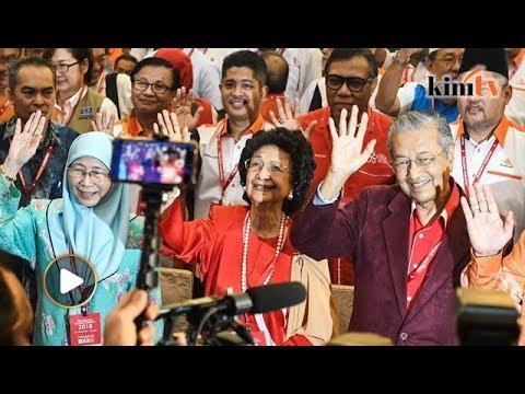 Harapan announces Mahathir as PM candidate, Wan Azizah as DPM