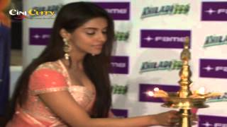 Akshay helped me learn Marathi for Khiladi 786: Asin